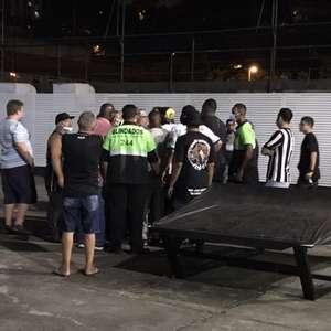 Grupo de torcedores do Botafogo invade General Severiano ...