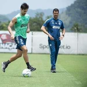 Diante de expulsões e erros, volta de Rodrigo Caio ganha ...