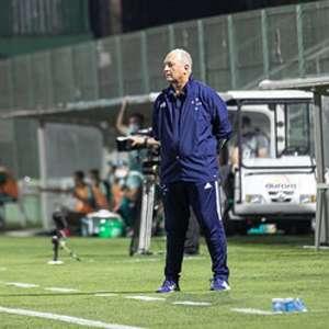 Felipão elogia o time e pretende manter o que deu certo em Chapecó