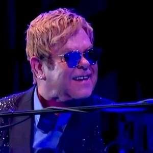 Elton John firma parceria com TikTok para transmissão ao ...