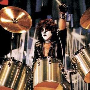 Kiss: Paul Stanley homenageia o baterista Eric Carr