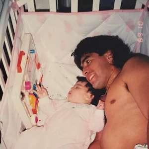 """""""Encontrar com ele pela cidade"""", diz filha de Maradona"""
