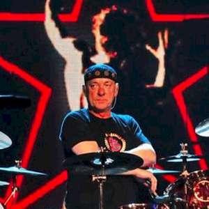 Rush: icônico conjunto de bateria usada por Neil Peart é ...