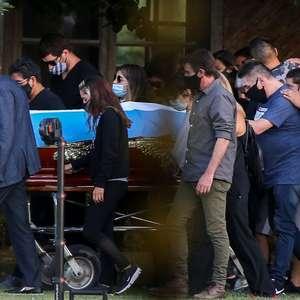 Maradona é enterrado em cerimônia restrita em Buenos Aires