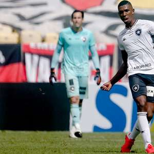 Desfalques: Botafogo não terá Kevin e Kanu contra o Flamengo