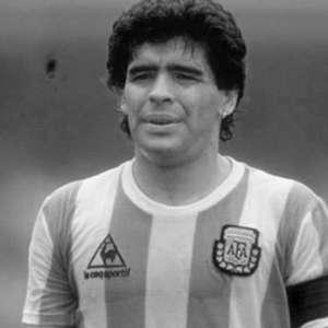 O cantar para 'Dios': lembre músicas em homenagem a Maradona