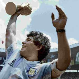Gols, títulos e recordes: a história de Maradona em números