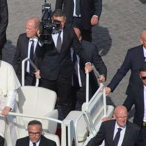 Como a segurança do papa evoluiu, 50 anos depois do ...