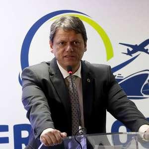 Tarcísio de Freitas é 14º ministro diagnosticado com covid