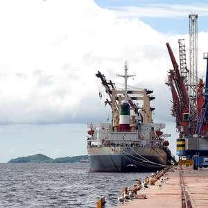 Paranaguá recebe primeira importação de soja em 10 anos