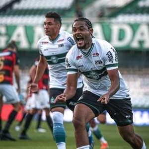 Sabino prolonga o seu contrato com o Coritiba até fevereiro de 2021