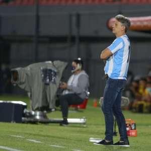 Renato Portaluppi usou camiseta em homenagem a Maradona ...