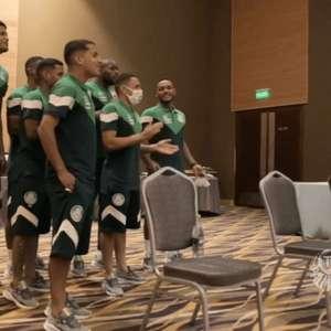 Jovens da base do Palmeiras passam por trote em ...