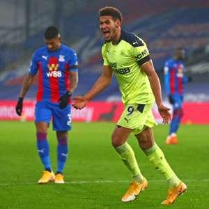 Joelinton marca e Newcastle vence o Crystal Palace no ...