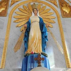 Reze para Nossa Senhora das Graças: santa dos milagres