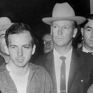 O mistério sobre a visita do assassino de John Kennedy à ...