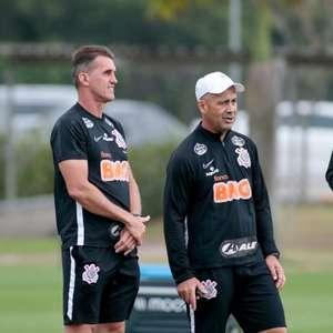 Corinthians volta a treinar neste sábado à espera de ...