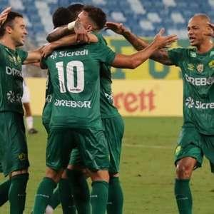 Cuiabá faz gol no último minuto e vence o Avaí na Série B