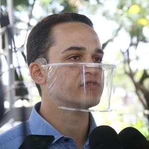 Candidato de Bolsonaro derrota PT e é prefeito de Vitória