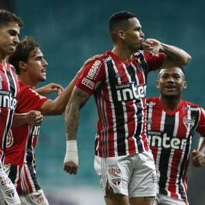 São Paulo acorda no 2º tempo e vence o Bahia na Fonte Nova