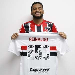Reinaldo alcança a marca de 250 jogos com a camisa do ...