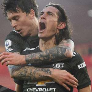 Com dois gols de Cavani, Manchester United vence ...
