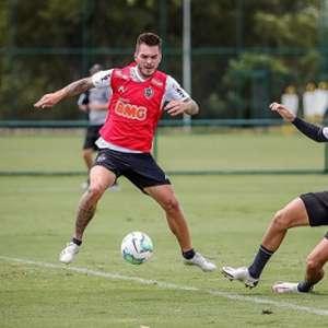 Gabriel e Mariano são as novidades em treino do Atlético-MG
