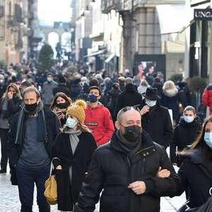 Novos casos de Covid na Itália atingem mínimo em 1 mês
