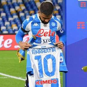 Com homenagens a Maradona, Napoli goleia Roma pelo ...