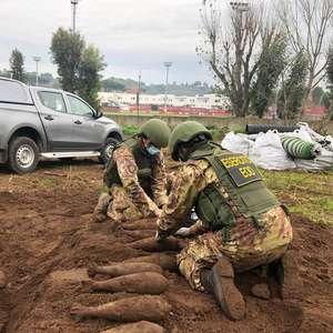 Exército da Itália tira 20 bombas da 2ª Guerra do CT da Roma