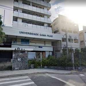 Incêndio atinge prédio de universidade desativada no Rio