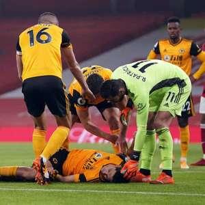 Após fratura no crânio, Raúl Jiménez pode deixar o futebol