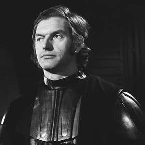 David Prowse, intérprete de Darth Vader, morreu de covid-19