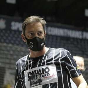 Com nova gestão, Corinthians inicia 'dança das cadeiras' ...