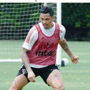 Por liderança, elenco do São Paulo treina para pegar o Goiás