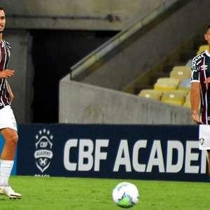Martinelli celebra primeiro jogo como profissional do ...