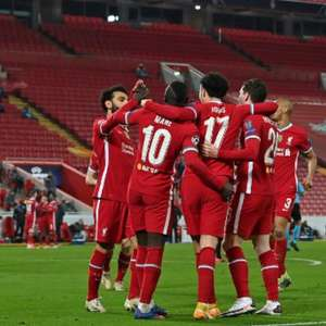 Liverpool vence o Ajax na Champions e garante 1º lugar