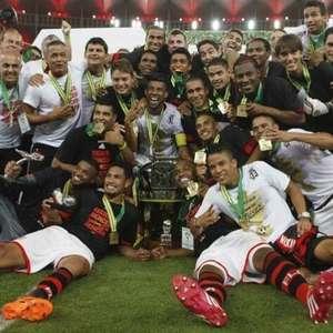 Veja por onde andam os campeões pelo Flamengo da Copa do Brasil 2013