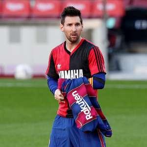 Messi é multado por homenagem a Maradona em comemoração