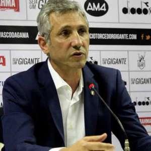 Campello revela cobrança no Vasco: 'Com o elenco que temos, deveríamos estar numa posição bem superior'