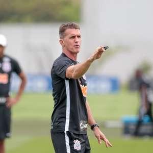 Invicto fora de casa com Mancini, Corinthians busca mais ...