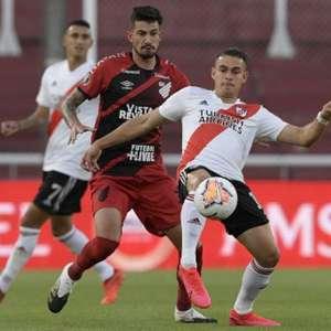 River Plate bate Athletico e avança na Libertadores