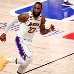 Fase irregular do Lakers passa por LeBron James