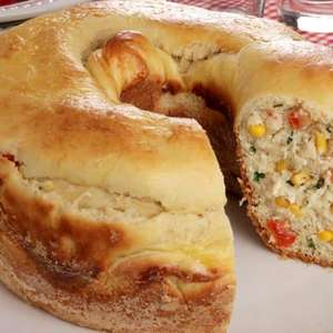 Pão recheado de frango com Catupiry®
