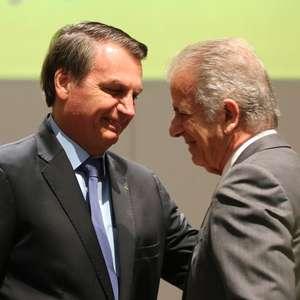 Bolsonaro 'convida' José Múcio Monteiro para o governo