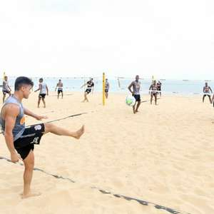 Roni comenta treino do Corinthians na praia e sua ...