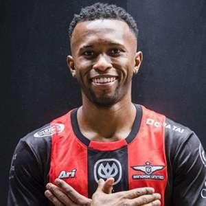 Heberty assina por três anos com o Bangkok United, da ...