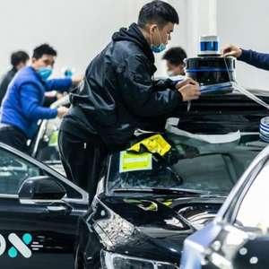 """China testa """"robotáxis"""" autônomos nas ruas de Shenzhen"""