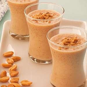 Batidinha de amendoim: bebida diferente pronta em 20 minutos