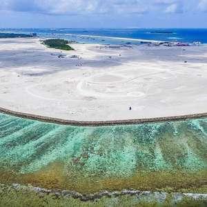 O país que está criando 'ilhas' para não desaparecer